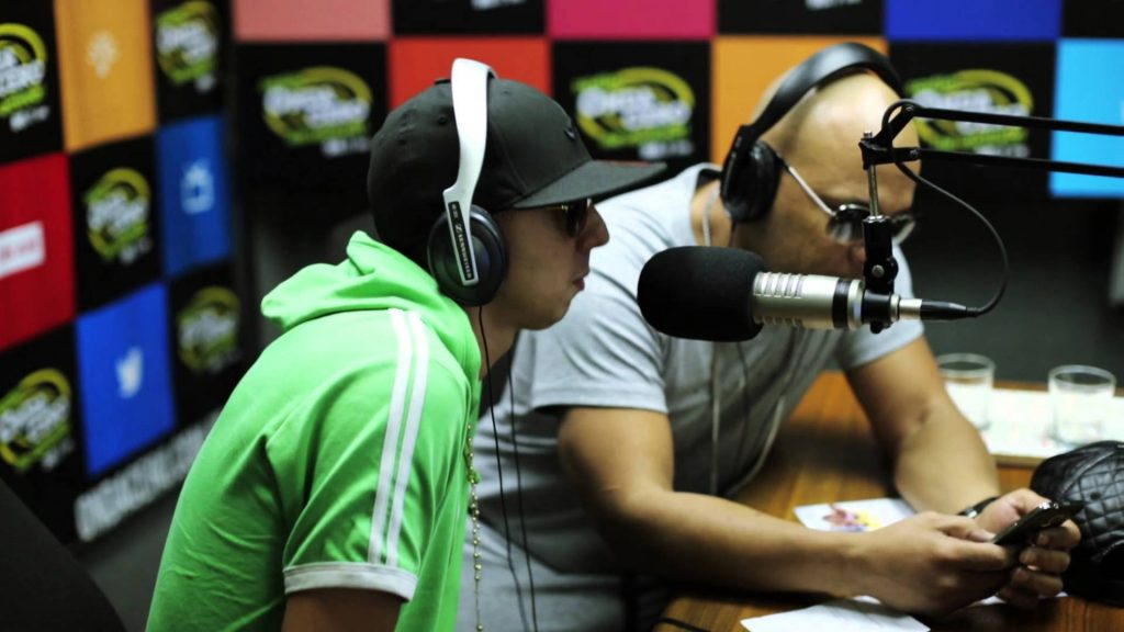 5jjkgqtqzcq - Fuego @ Onda Cero, Lima Peru (Entrevista) (2013)