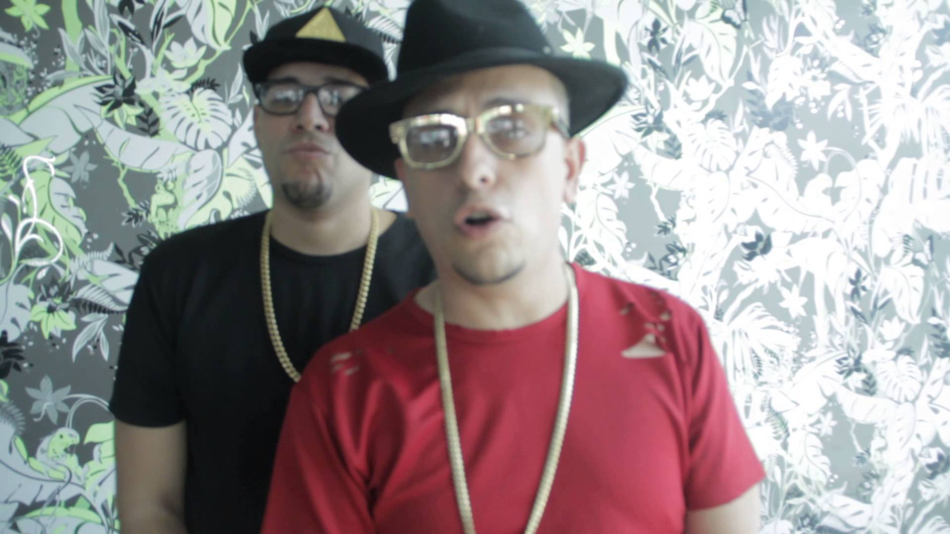 j king maximan saludando a malia - Casper Magico – No Te Veo (Official Video)
