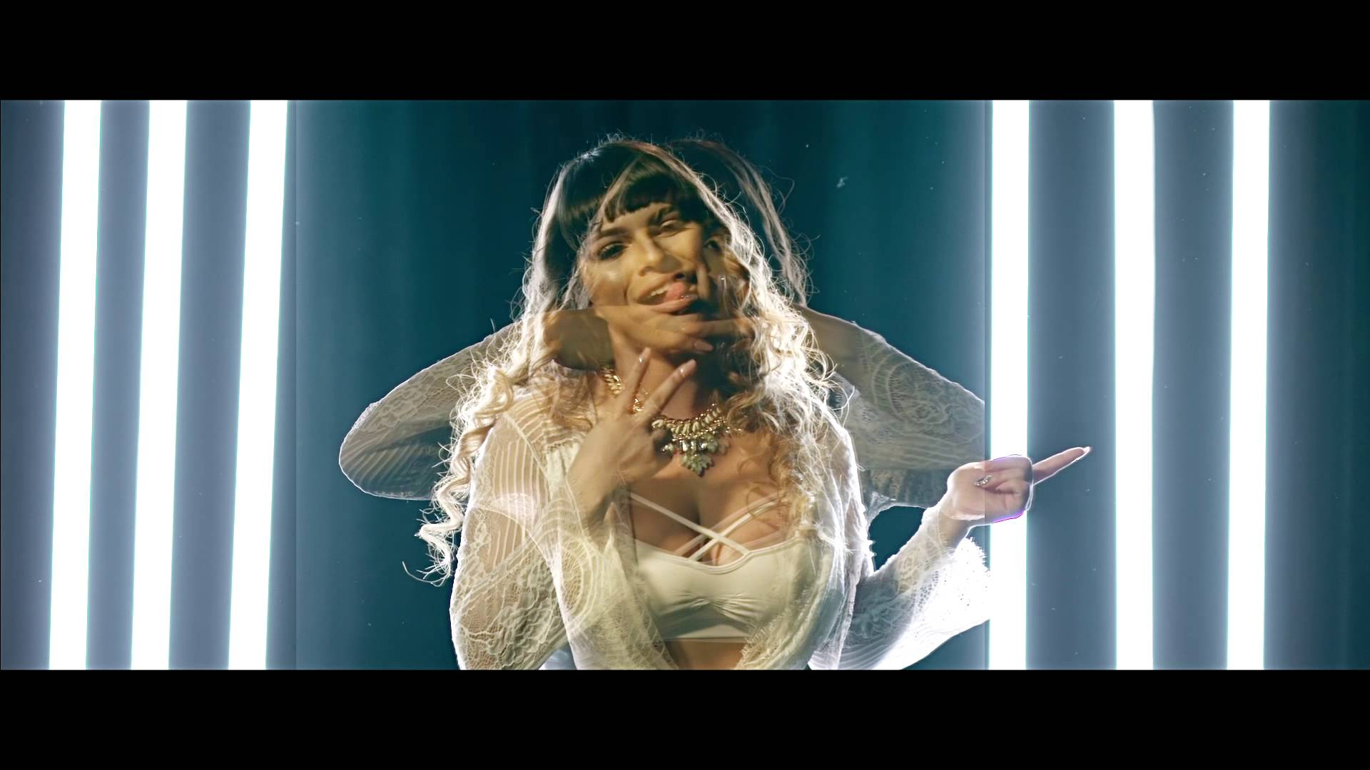 MelyMel – Yo Me Curo (Official Video)