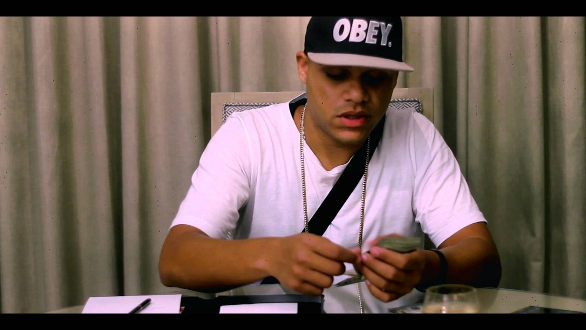 Jowell Ft. Khey – Me Quiere Me Odia (Official Video)