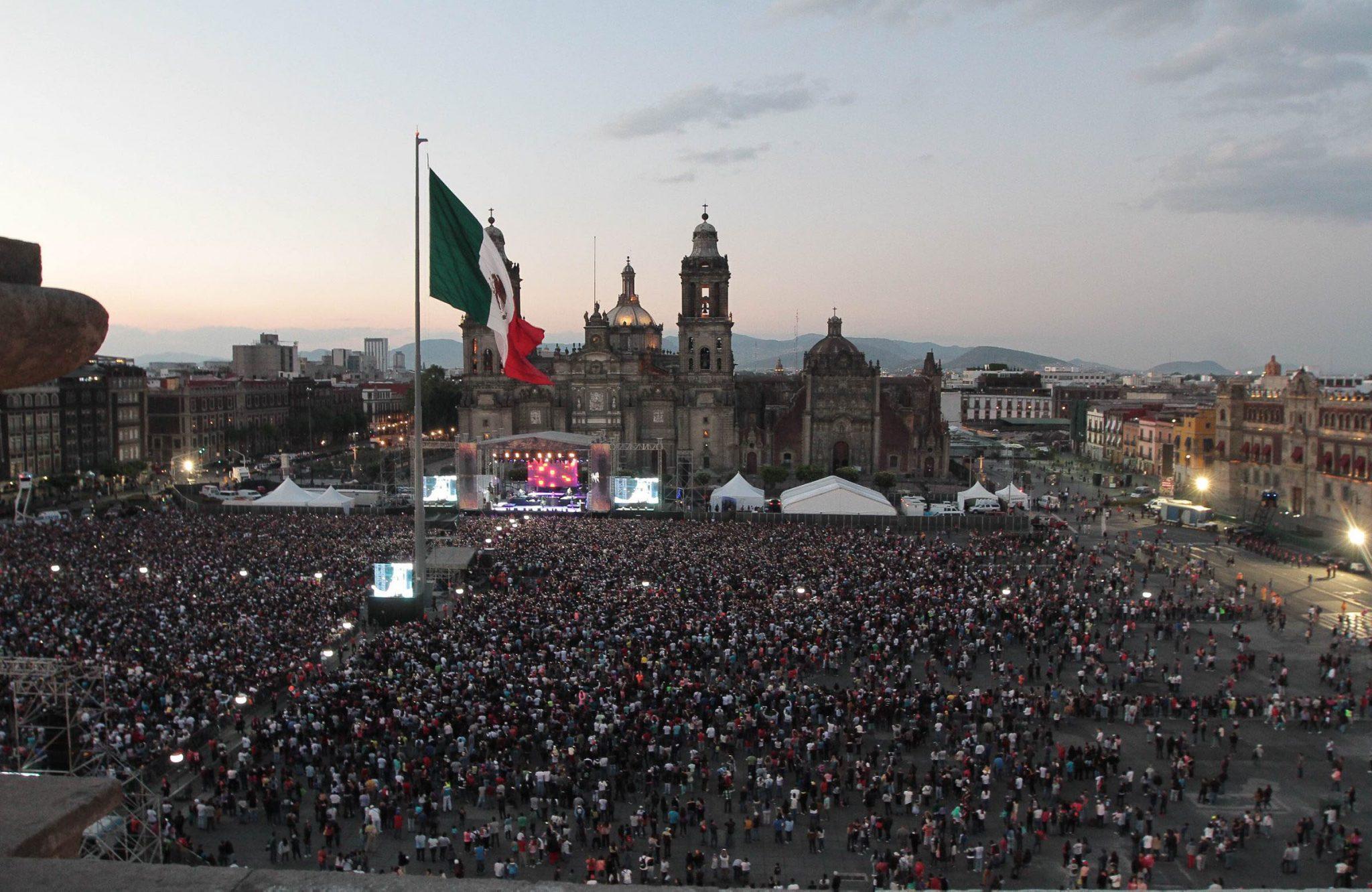 esp thefenixtour1 - Nicky Jam, Wisin, Gente de Zona reúnen a más de 40 mil personas en el Zócalo