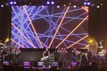 esp thefenixtour2 370x247 - Nicky Jam, Wisin, Gente de Zona reúnen a más de 40 mil personas en el Zócalo