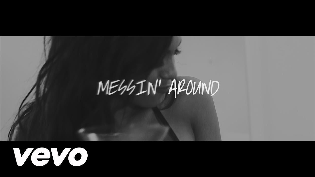 pitbull feat enrique iglesias me - Pitbull Feat. Enrique Iglesias – Messin' Around (Lyric Video)
