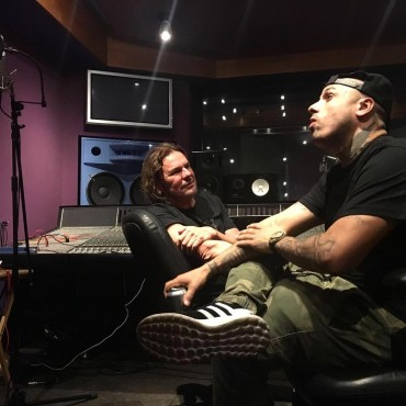 1467161802nickyjamym - Nicky Jam y Maná trabajando en el estudio