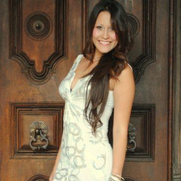 Diana Vargas se desempeña en el mundo de la música 370x370 - Frank y El Santo No Seguiran Mas Como Agrupacion