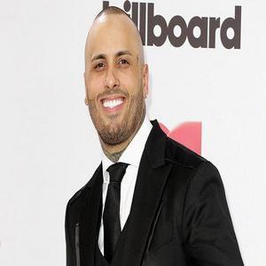 papii - Nicky Jam le quita la Corona al divo de Mexico Juan Gabriel en los Billboard
