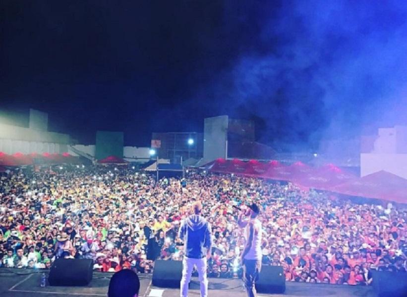 alexis - Alexis y Fido Gozan De Los Carnavales En Bolivia