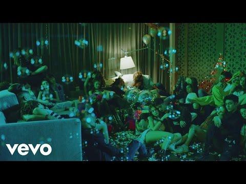 0 1066 - CNCO ft. Yandel – Hey DJ (Official Video)