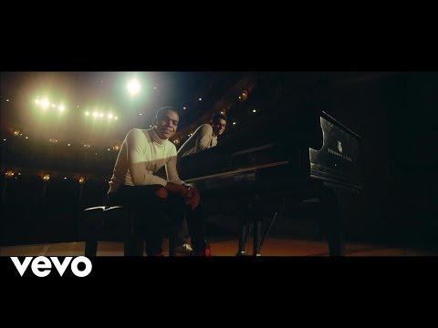 0 1100 - Lil Silvio & El Vega – Eres (Official Video)