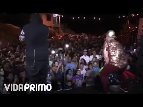 0 1716 - J King y Maximan - En vivo en Las Marias, Puerto Rico