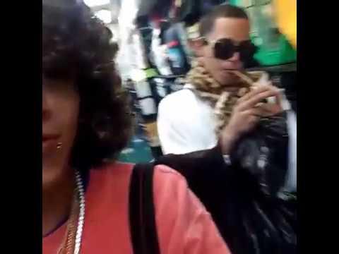 0 176 - El Dominio Nigga prende un cigarrillo de Marihuana en la tienda?