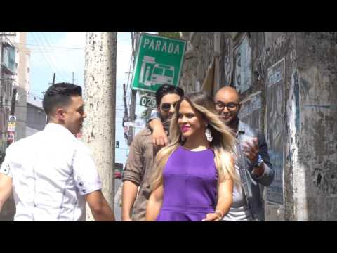 0 2052 - Charlie Cruz – Amor De Verdad (Remix) (Official Video)