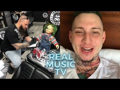 0 334 - Lary Over le hace un tatuaje a Chuky y más
