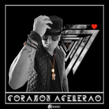 3o3u9BF - Zion & Lennox @ Feria De Las Flores Tour (Medellin, Colombia) (2013)