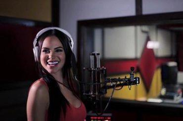 OF2GnqX 370x246 - Natti Natasha @ Latin Billboards (Entrevista)
