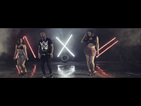 0 12 - Ceky Viciny Ft. Negro Activo – A Velocidad (Official Video)