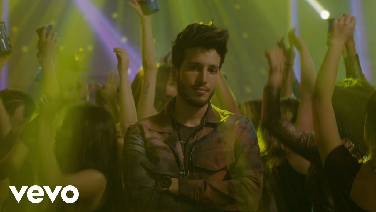 jobbq1rrnqa - Sebastián Yatra – En El Party (Official Video)