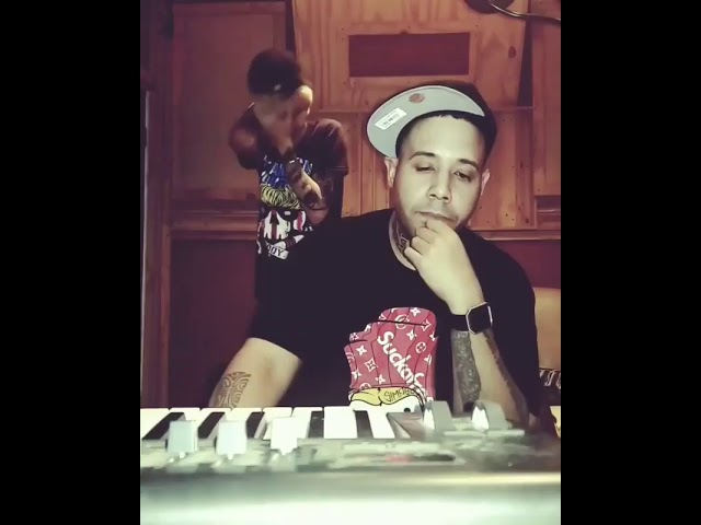 a15wnokuigw - Lyan – El Pistolon (Remix) (Preview)