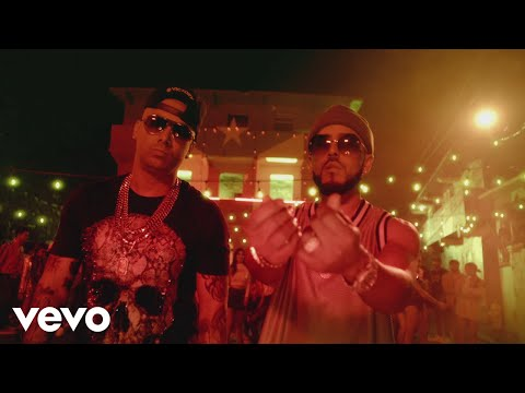 0 16 - Wisin y Yandel - Reggaeton En Lo Oscuro (Official Video)