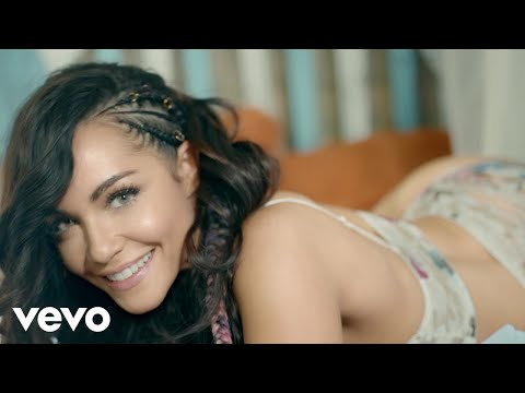 0 99 - Sharlene Ft. Zion y Lennox – San Pedro (Official Video)